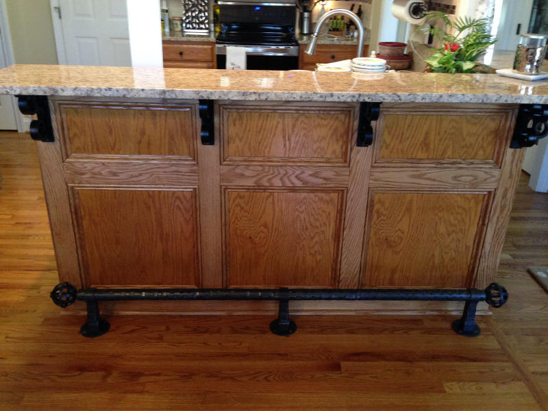 Iron Rope Foot Rail With Matching Bar Top Brackets
